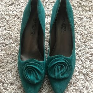 Vintage Suede Heels with Toe Decoration